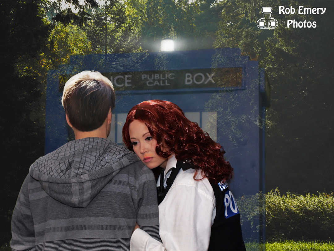 Amy Pond and Rory Williams watching the Tardis leave